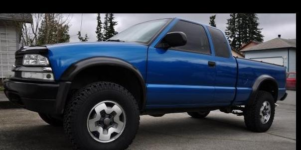 BlueBeast 2001 Chevrolet S10-Extended-Cab
