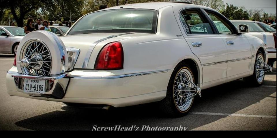 Moparbarn 1996 Lincoln Town Car S Photo Gallery At Cardomain