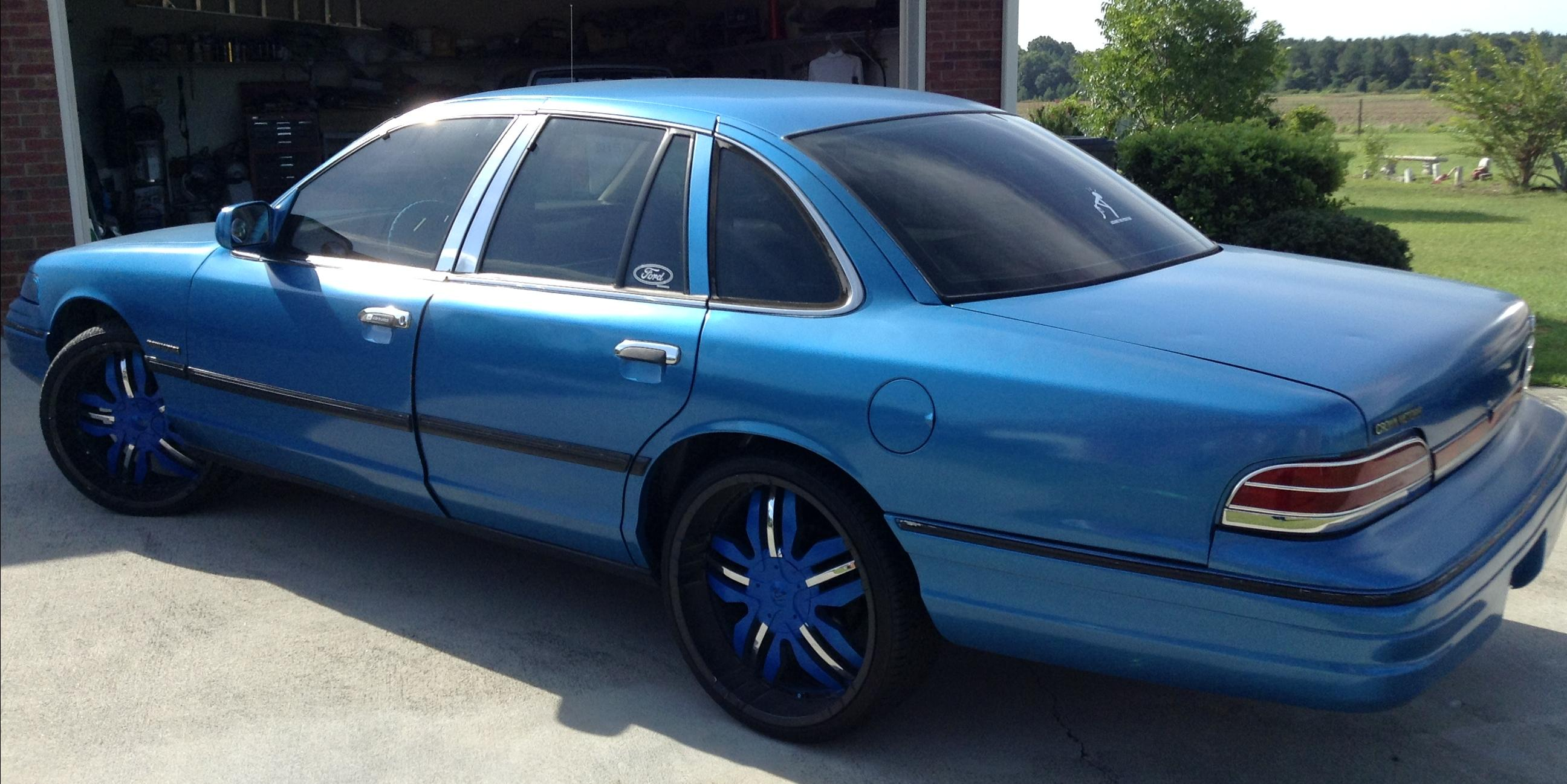 Donk Kings 1995 Ford Crown Victoria Specs Photos Modification Info