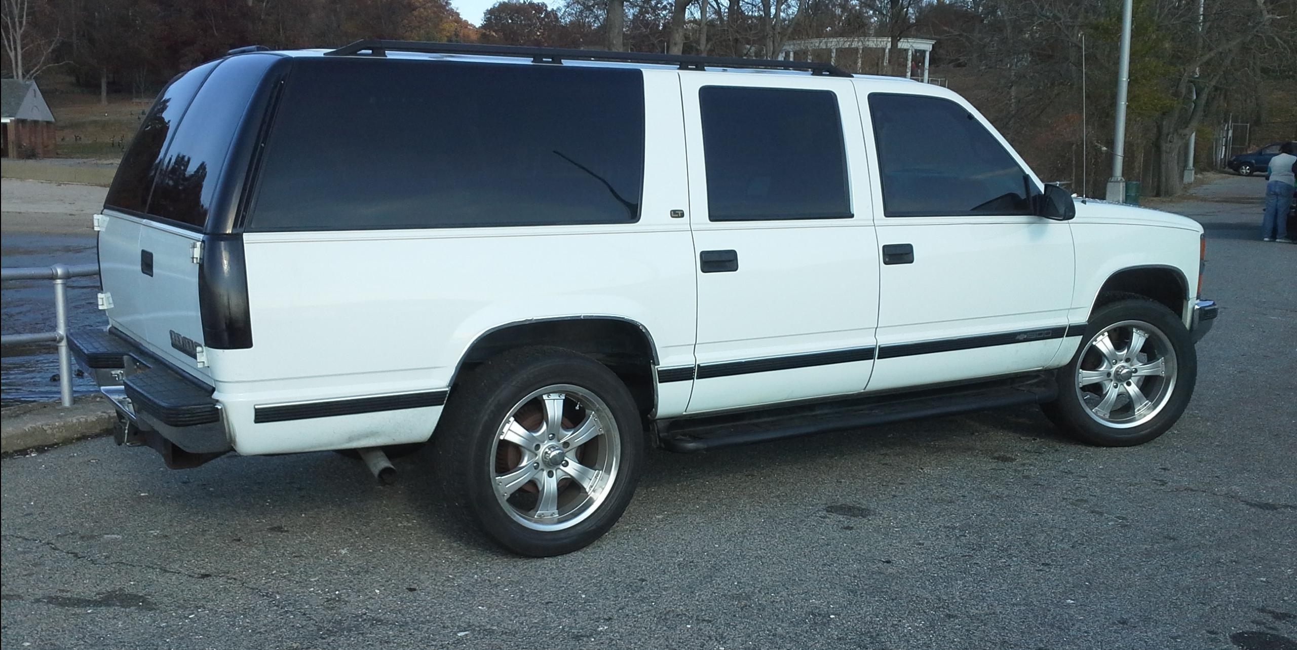 1999 chevrolet suburban 1500 view all 1999 chevrolet suburban 1500 at cardomain. Black Bedroom Furniture Sets. Home Design Ideas
