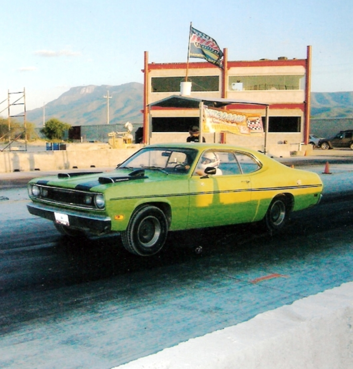 Canibal Oid 1970 Plymouth Duster