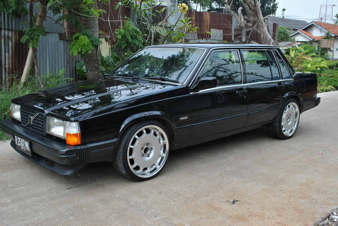 r0k0tr 1990 Volvo 740Turbo Sedan 4D Specs, Photos, Modification Info at CarDomain