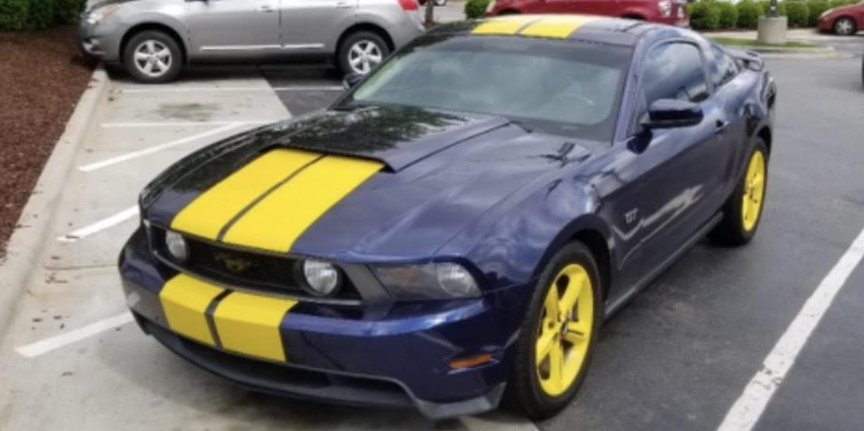 4098461 2010 Ford Mustang