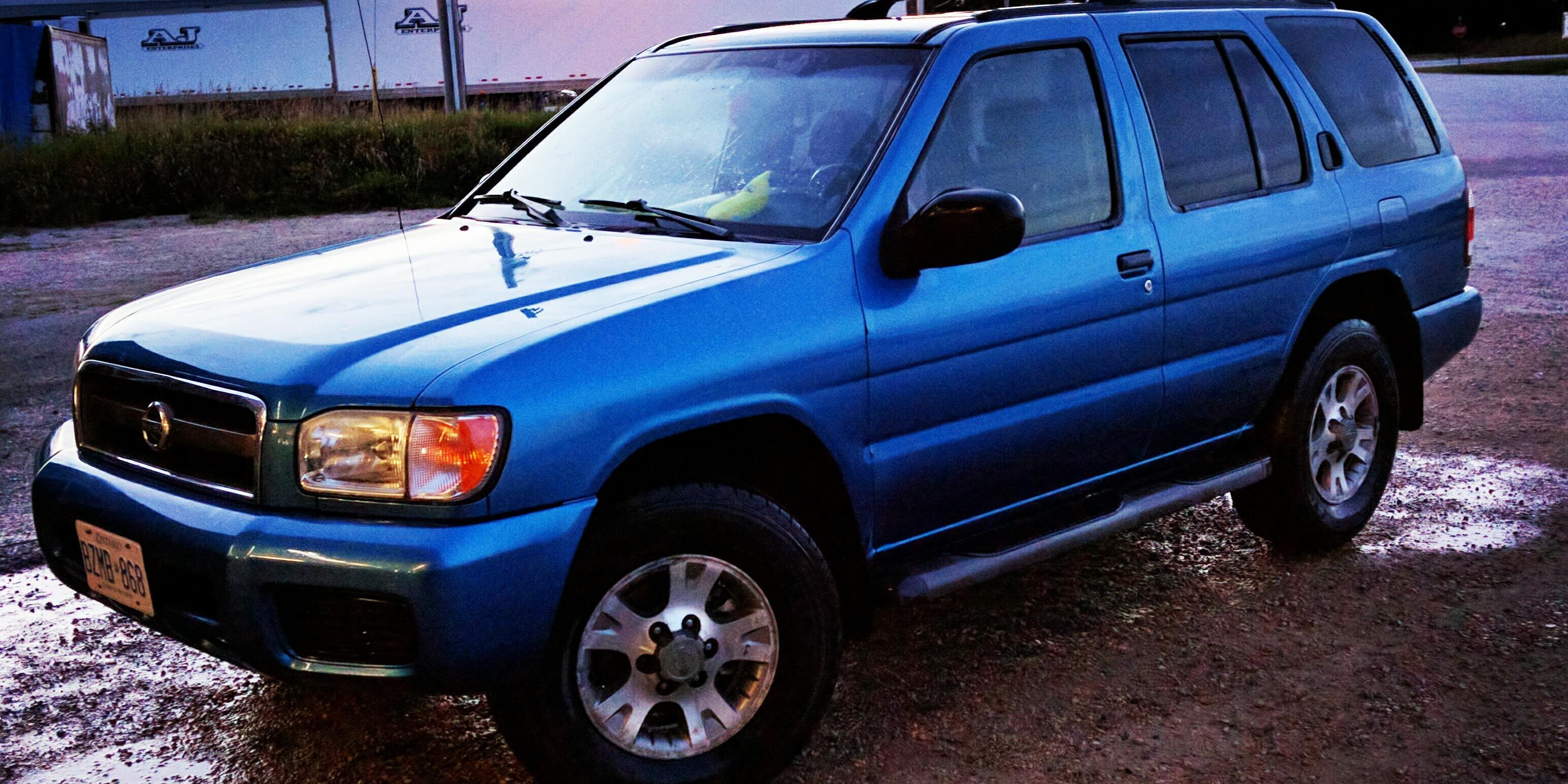 Classiccarguy 2003 Nissan Pathfinder