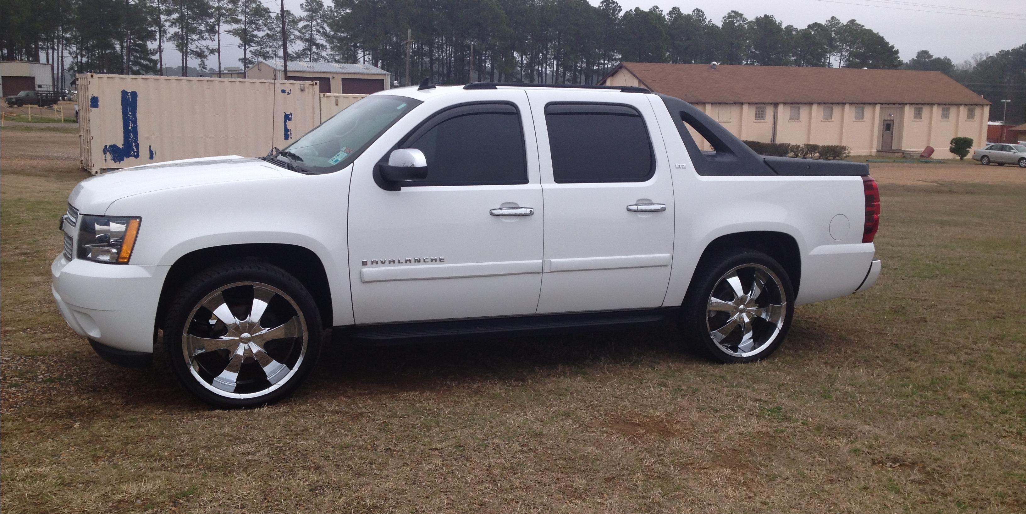 outsidr_22 2008 Chevrolet Avalanche