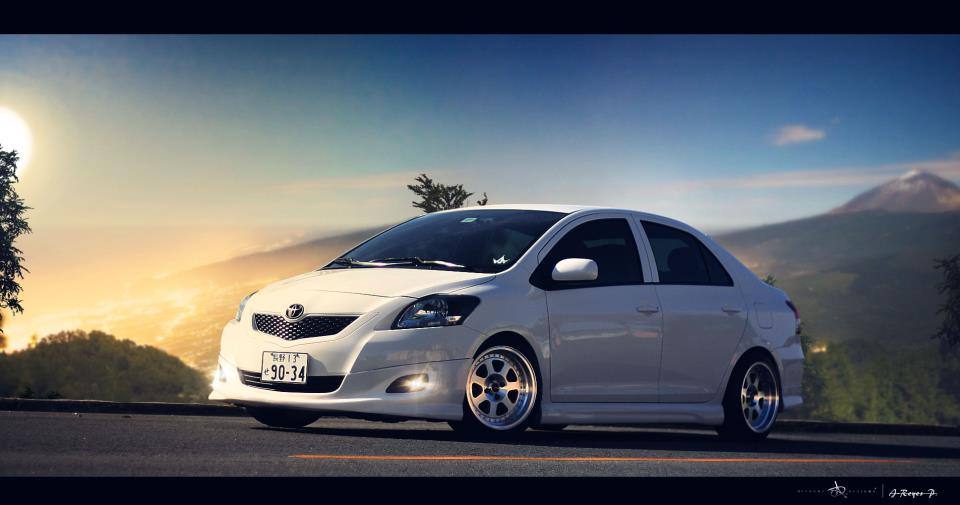 kingfiberdesign 2008 Toyota Yaris