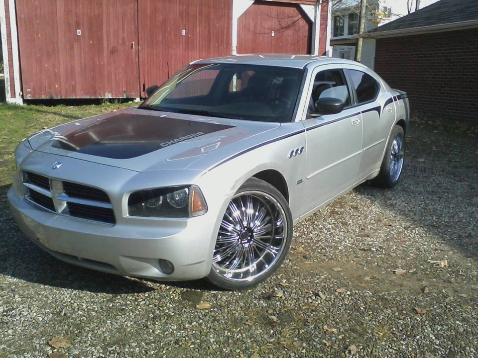 Delta88on24s 2006 Dodge Charger