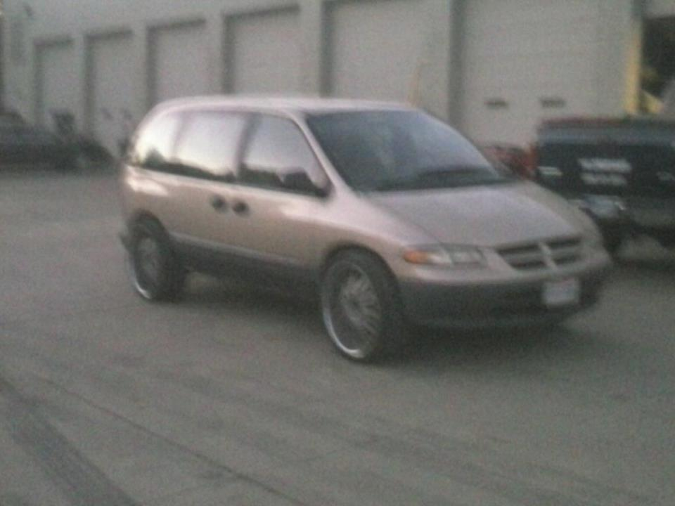 Delta88on24s 1998 Dodge Caravan-Passenger