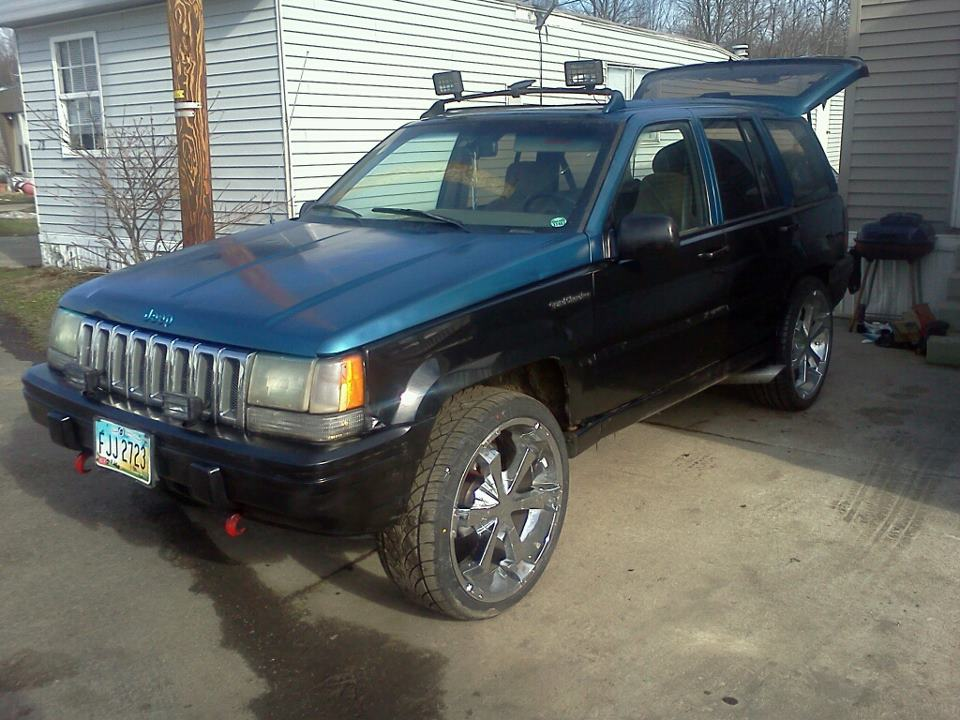 Delta88on24s 1994 Jeep Grand-Cherokee