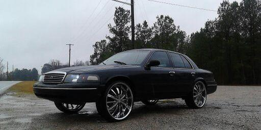 MrFamousswagg252 1998 Ford Crown Victoria