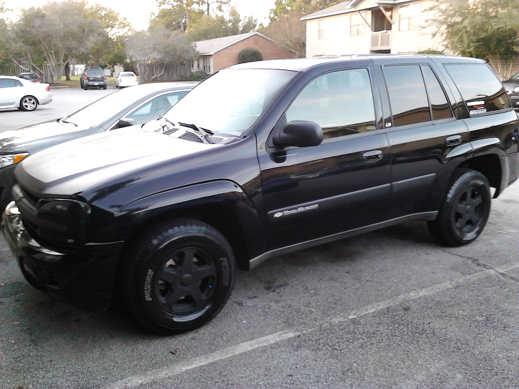 aaron capote 2004 chevrolet trailblazer specs photos. Black Bedroom Furniture Sets. Home Design Ideas