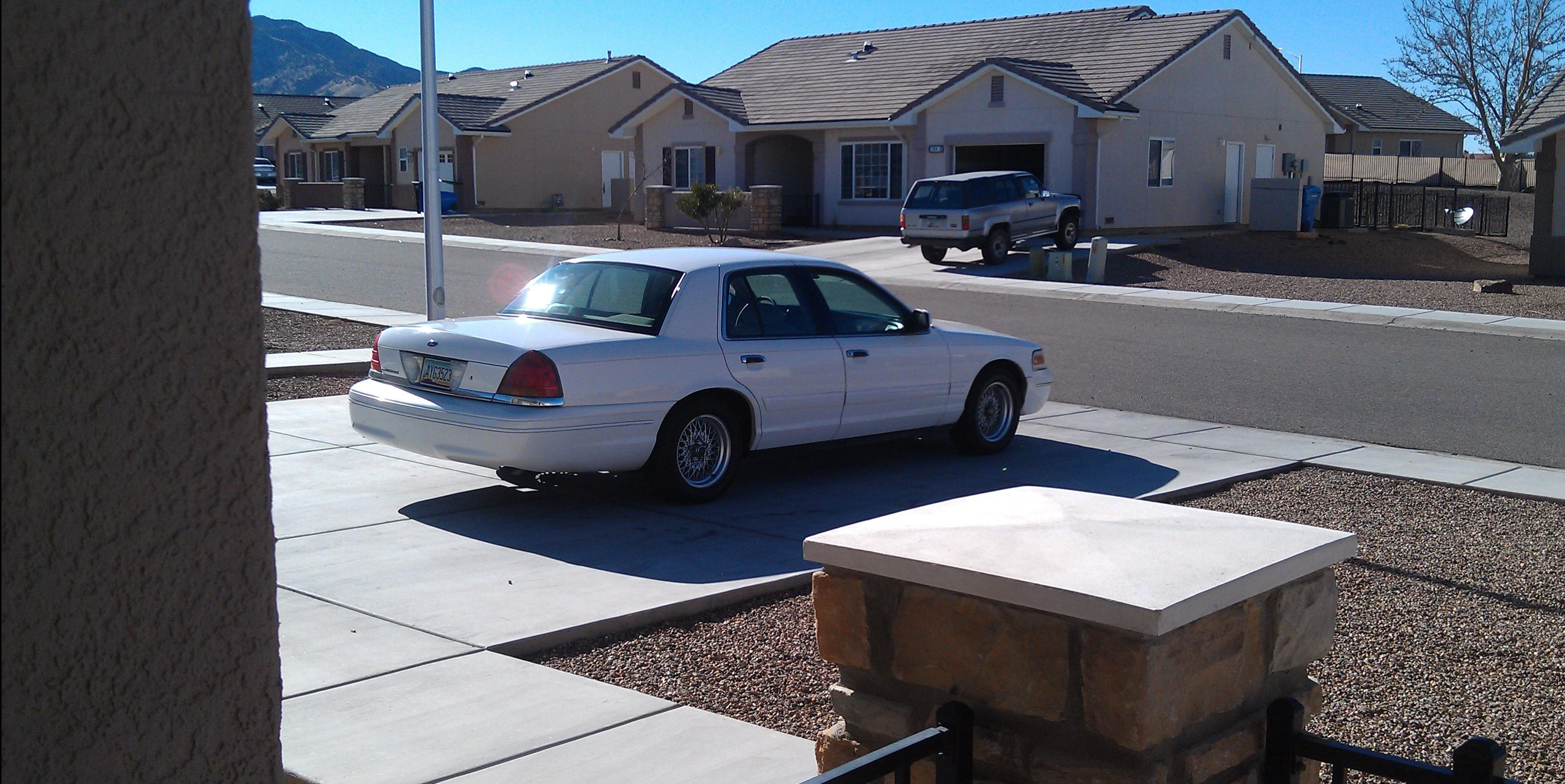 1999 Ford Crown-Victoria