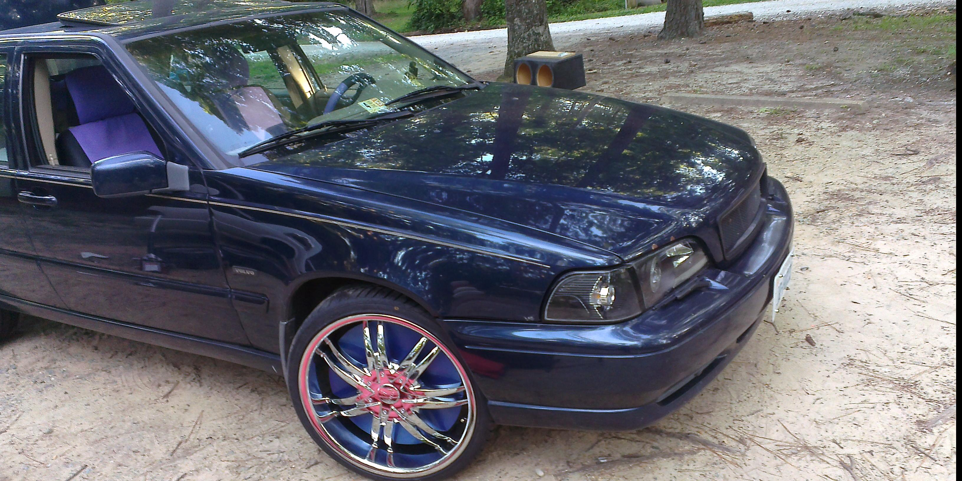 James DuVal Redmond's 1998 Volvo S70