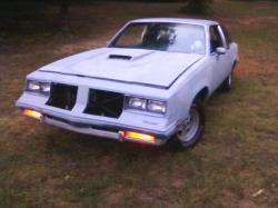 MrSupreme86 1986 Oldsmobile Cutlass Brougham