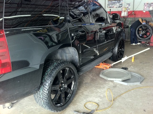Pontiac Grand Prix likewise Img moreover Anzo together with Large also Gm Line. on 2008 black chevrolet tahoe