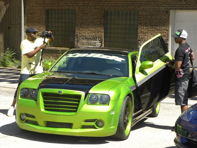 Another spicylahmchops 2005 Chrysler 300 post... - 15391173