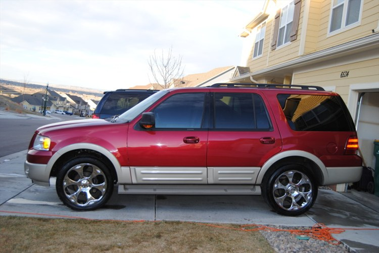 ZombieSoldier 2005 Ford Expedition