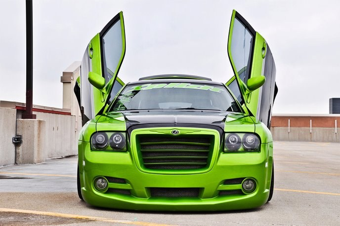 Another spicylahmchops 2005 Chrysler 300 post... - 15391149