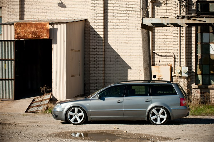 uniqueattraction 2002 Volkswagen PassatGLS Wagon 4D Specs, Photos, Modification Info at CarDomain