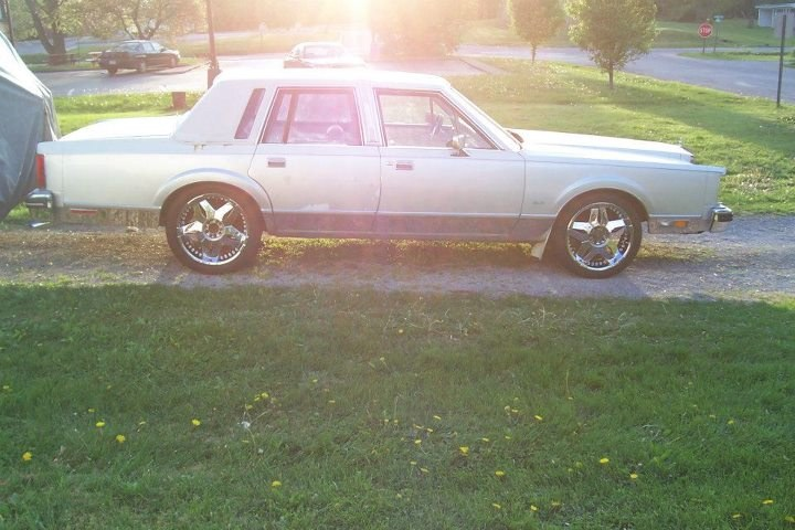 Another SoillLincoln 1984 Lincoln Town Car post... - 15896130