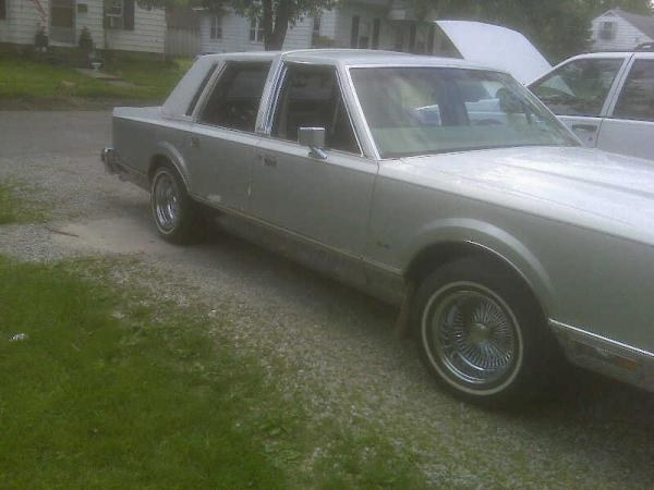 Another SoillLincoln 1984 Lincoln Town Car post... - 15896153