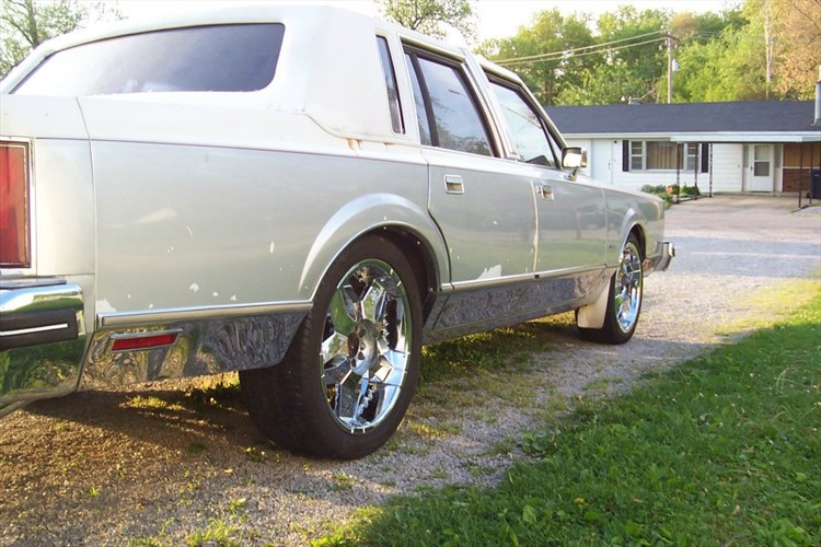 Another SoillLincoln 1984 Lincoln Town Car post... - 15896135
