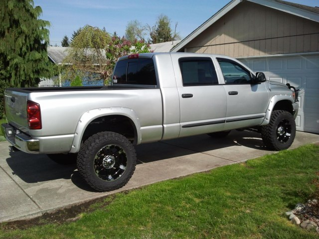 lowgo 2007 dodge ram 2500 mega cabslt pickup 4d 6 1 4 ft. Black Bedroom Furniture Sets. Home Design Ideas