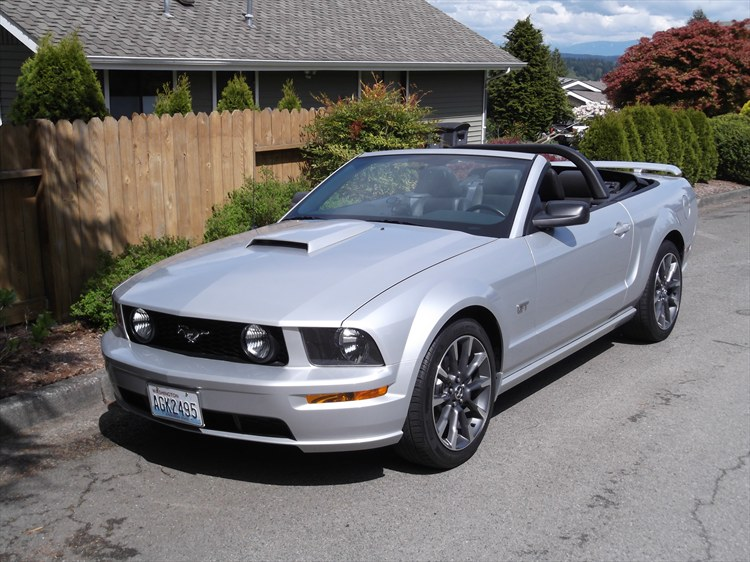 iroc z convert 2005 ford mustanggt deluxe convertible 2d specs photos modification info at. Black Bedroom Furniture Sets. Home Design Ideas