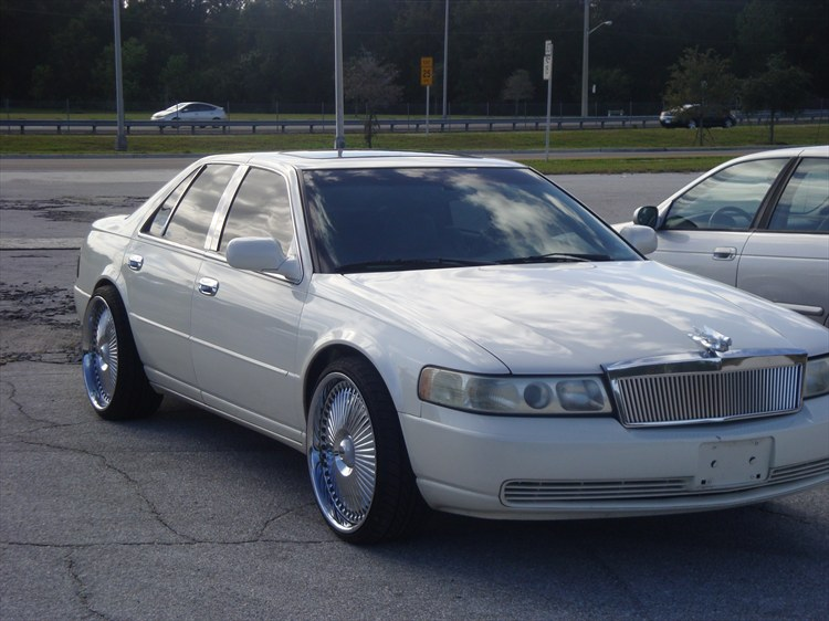 Adiggidy2001 2001 Cadillac SevilleSLS Sedan 4D Specs Photos