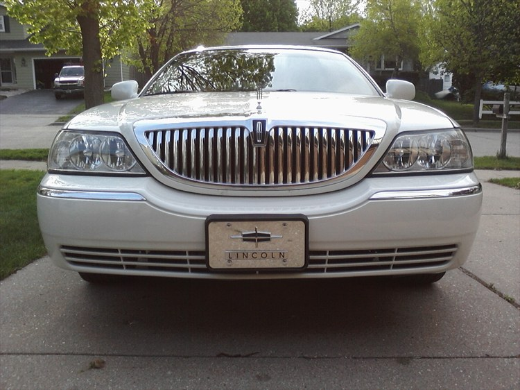 Wiscompton608 2003 Lincoln Town Car 18771498