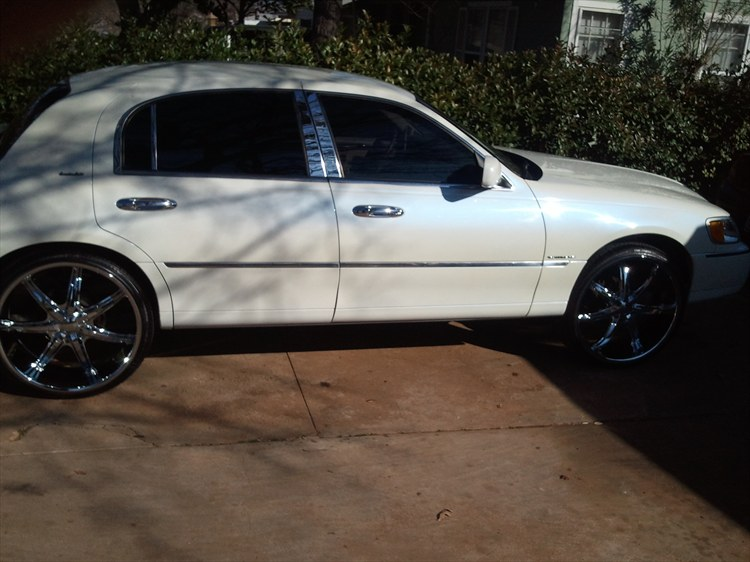 Another Lincolnboyz81g 1999 Lincoln Town Car Post 17730 By