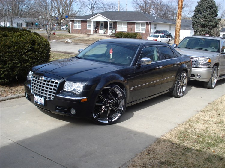 Mikey-N-Crystal 2005 Chrysler 300