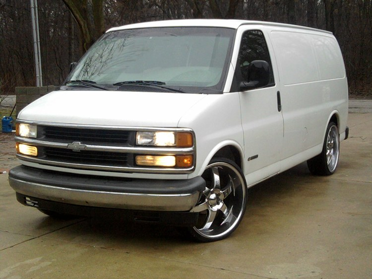 azteca126 2001 chevrolet express 1500 cargovan specs photos modification info at cardomain. Black Bedroom Furniture Sets. Home Design Ideas