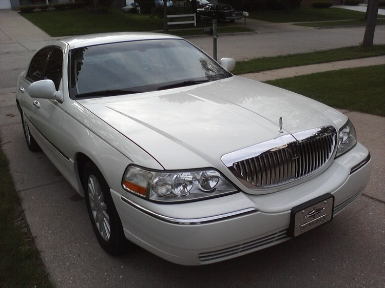 Wiscompton608 2003 Lincoln Town Car 18771499