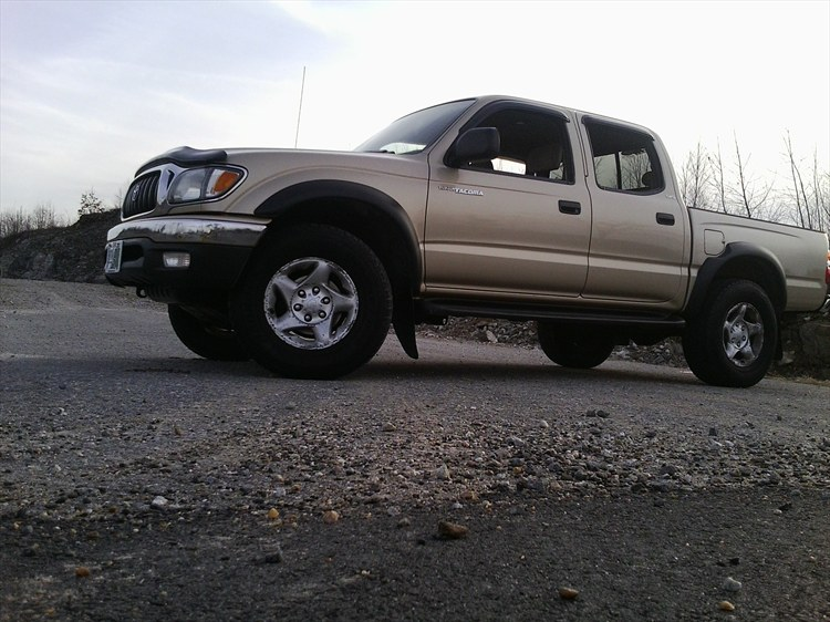 02tacoman4x4 39 s 2002 toyota tacoma double cab in derry nh. Black Bedroom Furniture Sets. Home Design Ideas