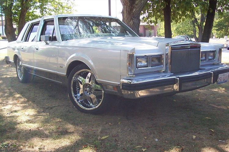 Another SoillLincoln 1984 Lincoln Town Car post... - 15897283
