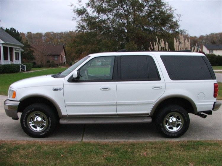 Theredblur 2001 Ford Expeditioneddie Bauer Sport Utility