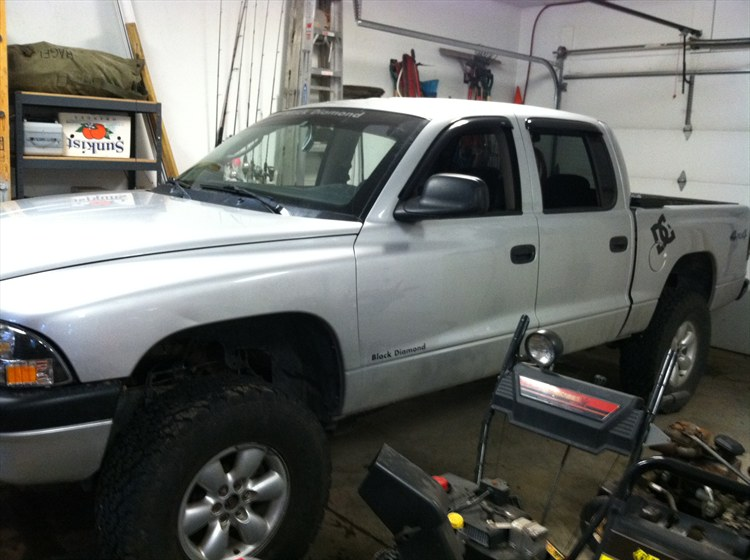 Large on 02 Dodge Dakota Lift Kit