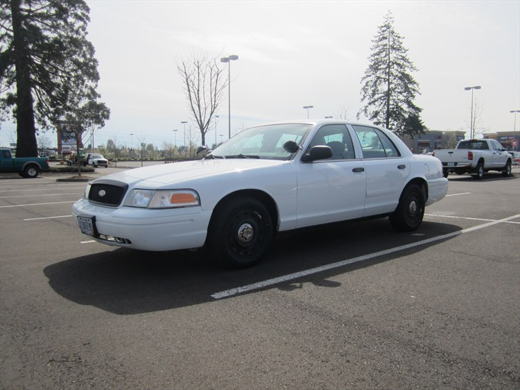 jpninteyone 2004 Ford Crown Victoria