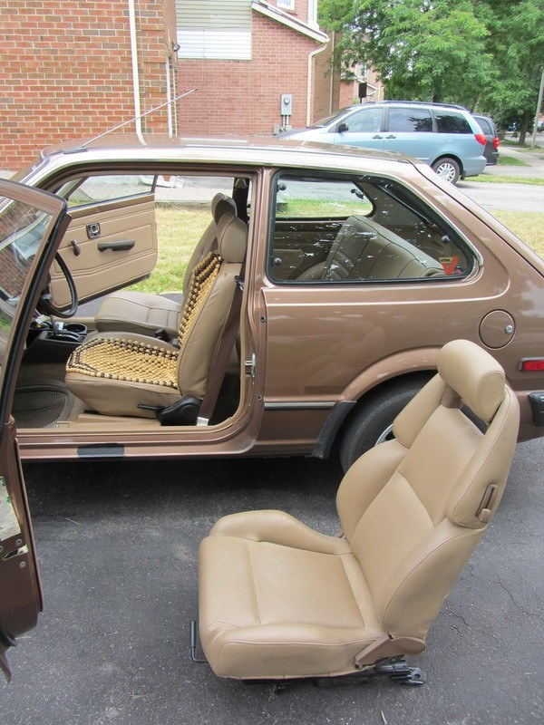 leather-sports-seat-from-nissan-300zx-35-only