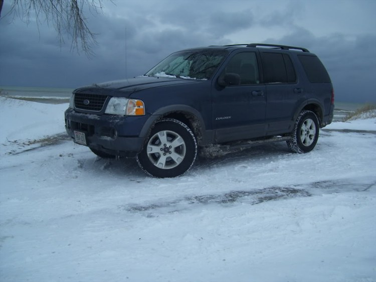 01Cavifreak 2002 Ford Explorer