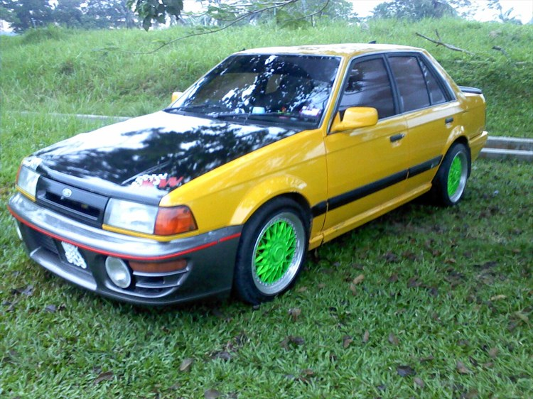 ZARED 1989 Ford Laser
