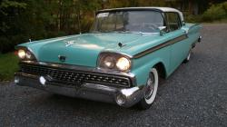 ToniQ 1959 Ford Skyliner
