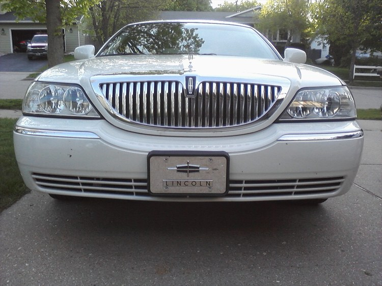 Wiscompton608's 2003 Lincoln Town Car