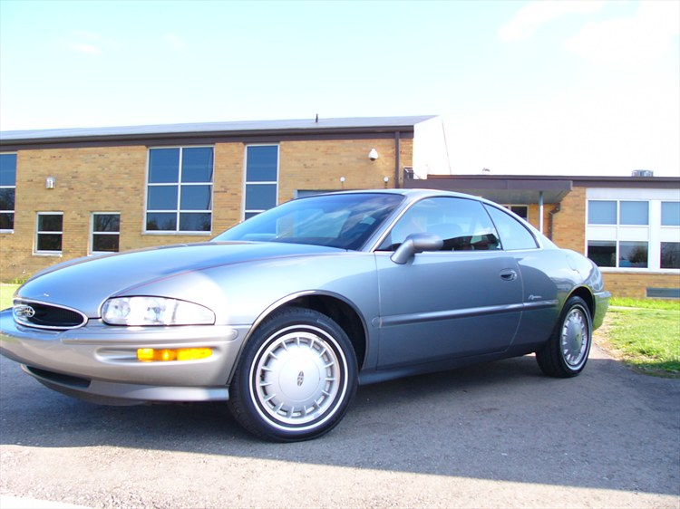 Forty625 1995 Buick Riviera