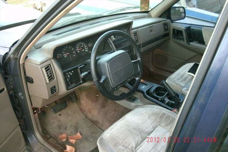 Carlosandritchie 39 s 1993 jeep grand cherokee laredo sport utility 4d in destin fl 1993 jeep grand cherokee interior