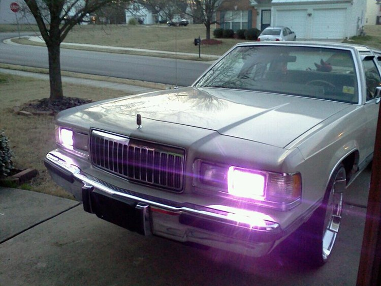 Quis on kobes 1988 Mercury Grand Marquis