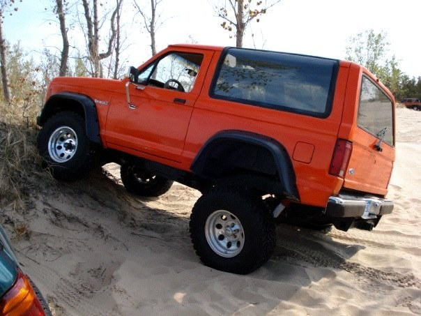87 bronco II with built 302 - 15876318