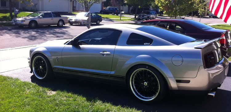 Gibby85 2008 Ford Mustang 18830179