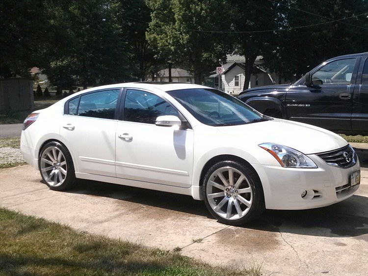 TrevaD40 40 Nissan Altima Specs Photos Modification Info At Fascinating Nissan Altima Bolt Pattern